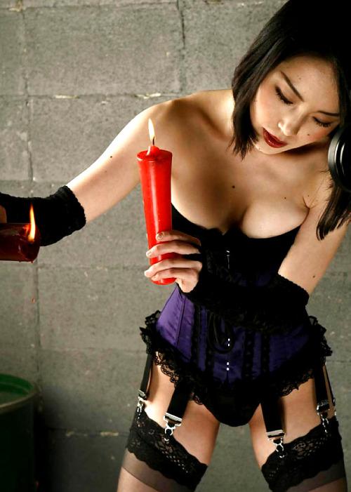 【SMエロ画像】とても逆らえる雰囲気じゃないw男は絶対服従すべき女王様とありがたい仕打ちwww 15