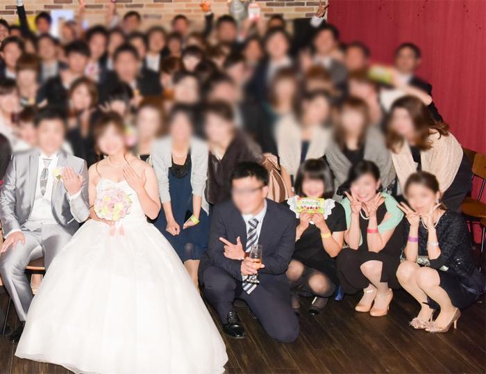 【パンチラエロ画像】ミニスカ女子が前列だから当然…半永久的に丸見えな記念写真パンチラwww 29