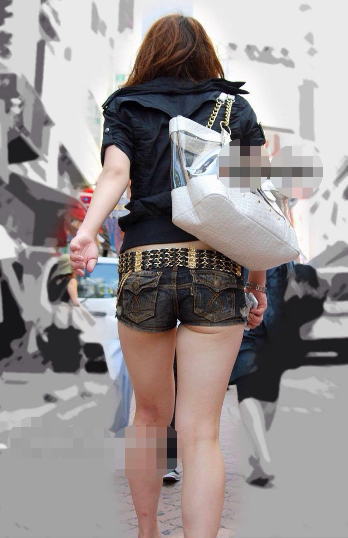 【尻チラエロ画像】裾から隠しきれない肉がwホットパンツ女子のワガママなハミ尻www 08
