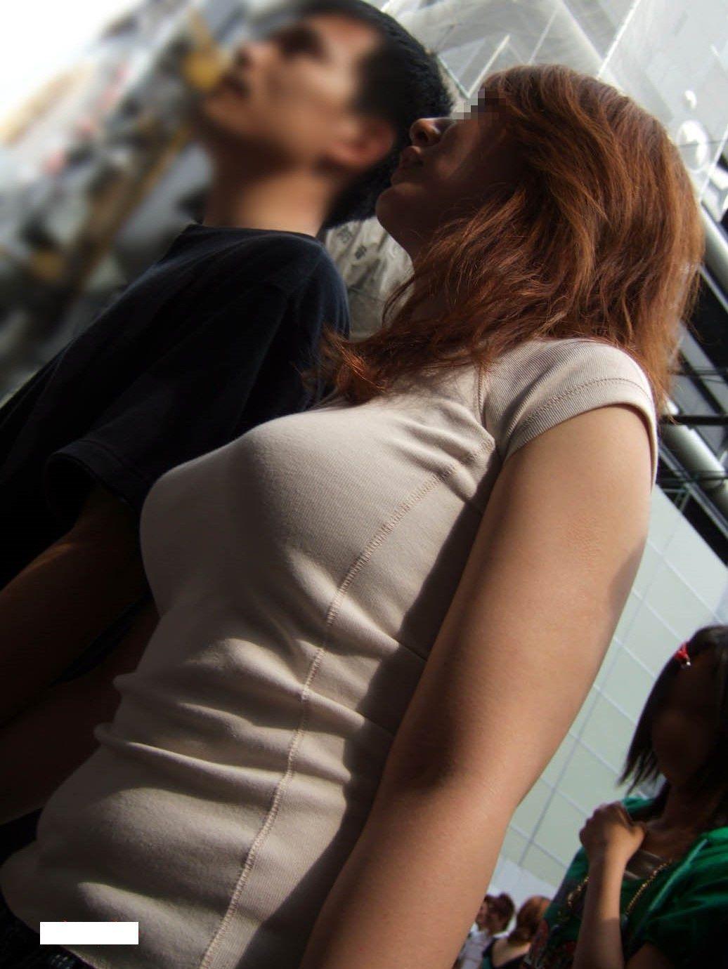 【巨乳エロ画像】隠せるのに敢えて強調w近頃の着衣巨乳さんは前衛的www 14