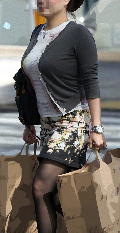 【巨乳エロ画像】隠せるのに敢えて強調w近頃の着衣巨乳さんは前衛的www 15