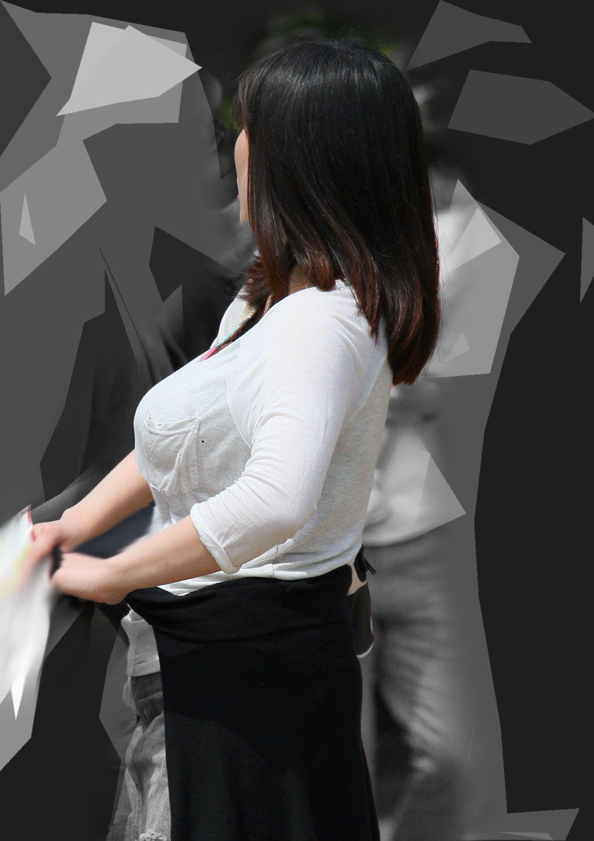 【巨乳エロ画像】隠せるのに敢えて強調w近頃の着衣巨乳さんは前衛的www 29