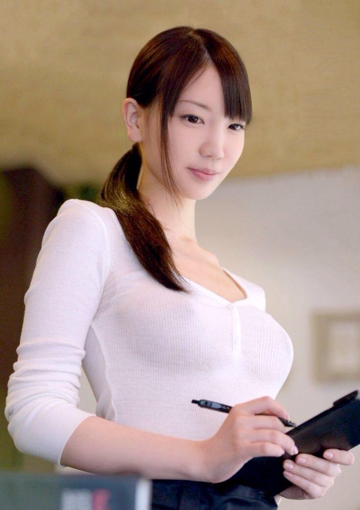 【着衣巨乳?】おっぱいのエロさを120%引き出してくれるファッションwwwwwwwwww