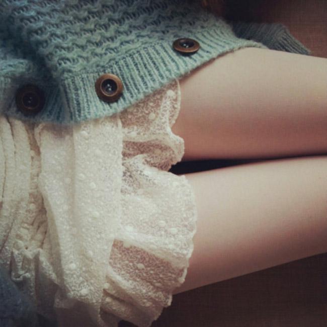 【太ももエロ画像】膝枕させて!安眠は間違いなしな女の子のムッチリ太ももwww 21