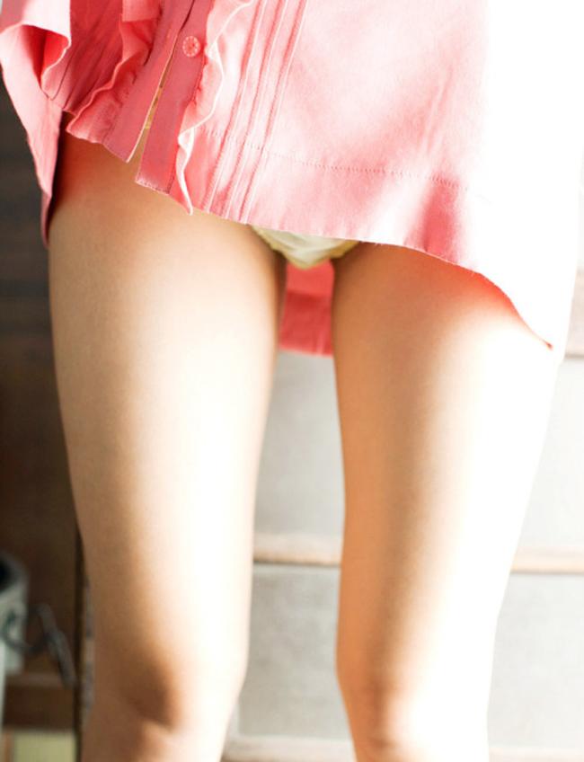 【太ももエロ画像】膝枕させて!安眠は間違いなしな女の子のムッチリ太ももwww 29
