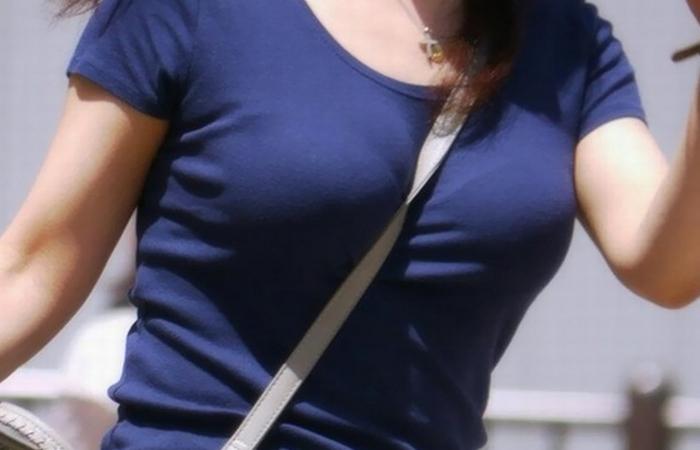 【パイスラエロ画像】これが真の大きさとは限らない…脱がせる前に圧倒されるパイスラ着胸www 001