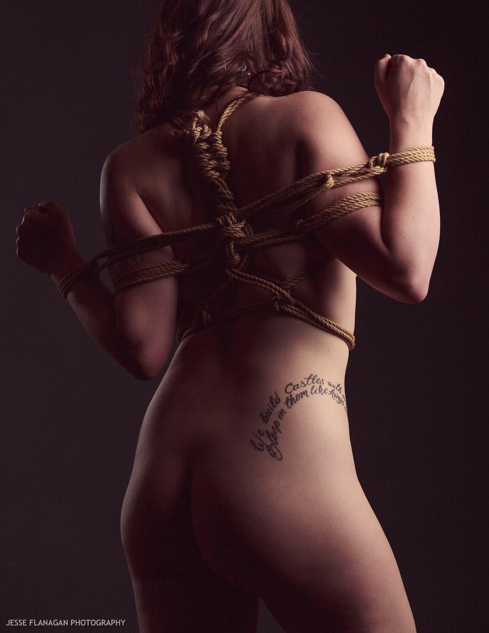 【SMエロ画像】調教で明かす聖夜も乙w性なるM女たちの緊縛姿と恥部www 06