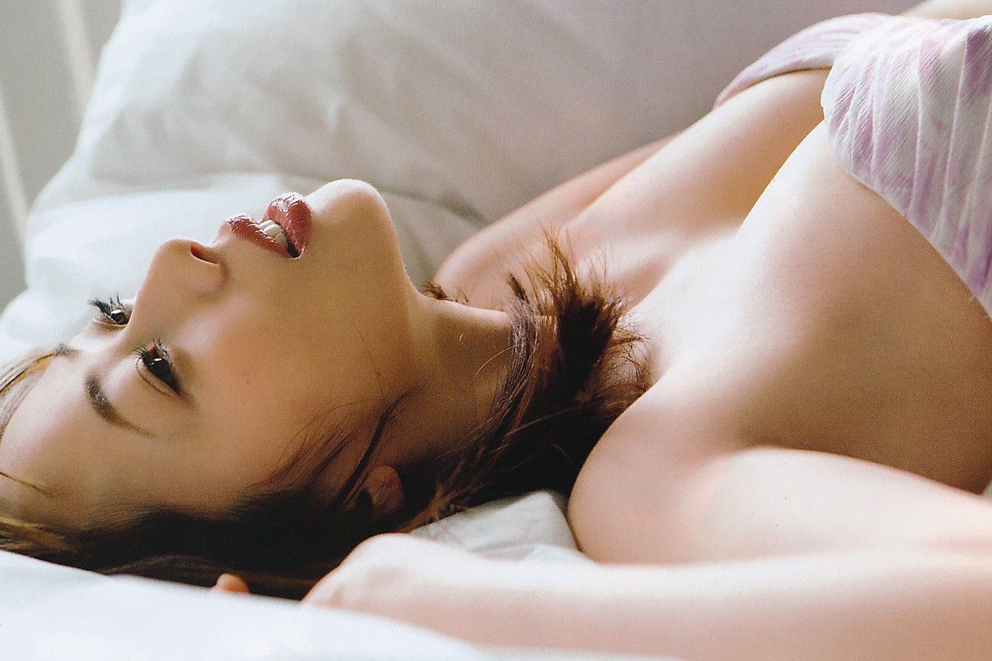 産後の井上和香(35)母乳おっぱいが凄い事になってるww