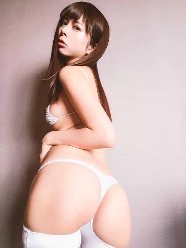 【美尻エロ画像】多少のハミ毛は大目に見ましょうw色々見えそうTバック美尻www 04