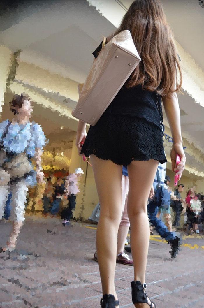 【ミニスカエロ画像】くっそもう少し…中身を勝ち取りたいチラリズムの誘惑www 26