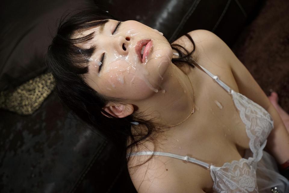 【ぶっかけエロ画像】AV女優でも仕事以外は嫌らしいw汚汁べっとり大量顔射www 03