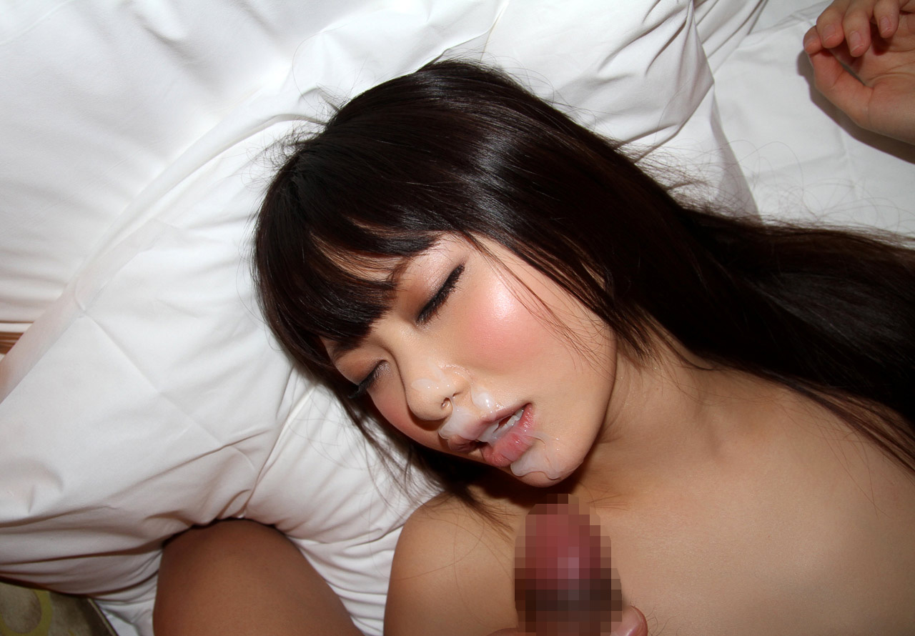 【ぶっかけエロ画像】AV女優でも仕事以外は嫌らしいw汚汁べっとり大量顔射www 12