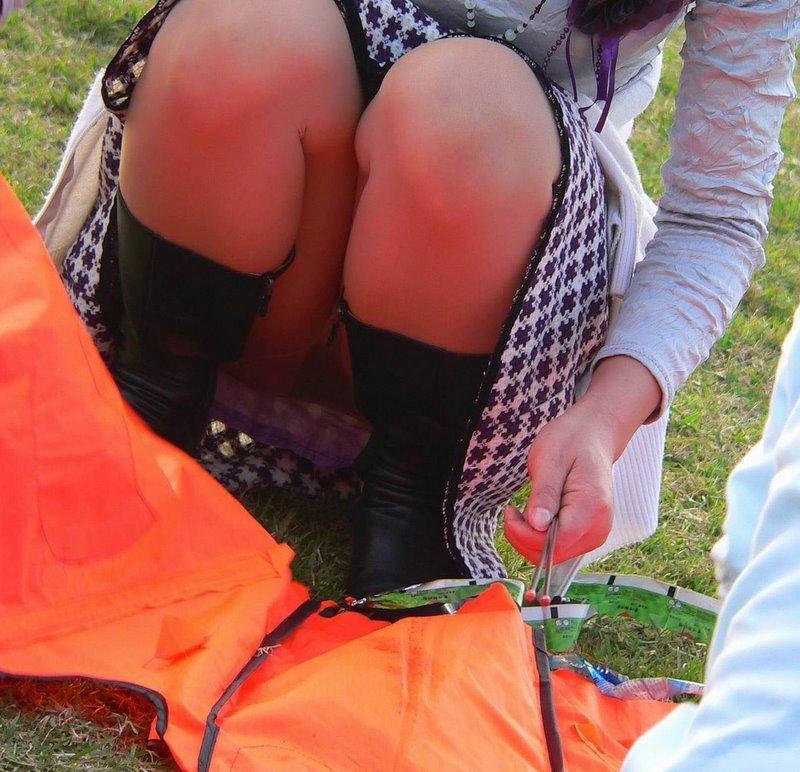 【パンチラエロ画像】春よ来い、早く来い。無防備なミニスカ女子のパンチラと一緒にwww 12