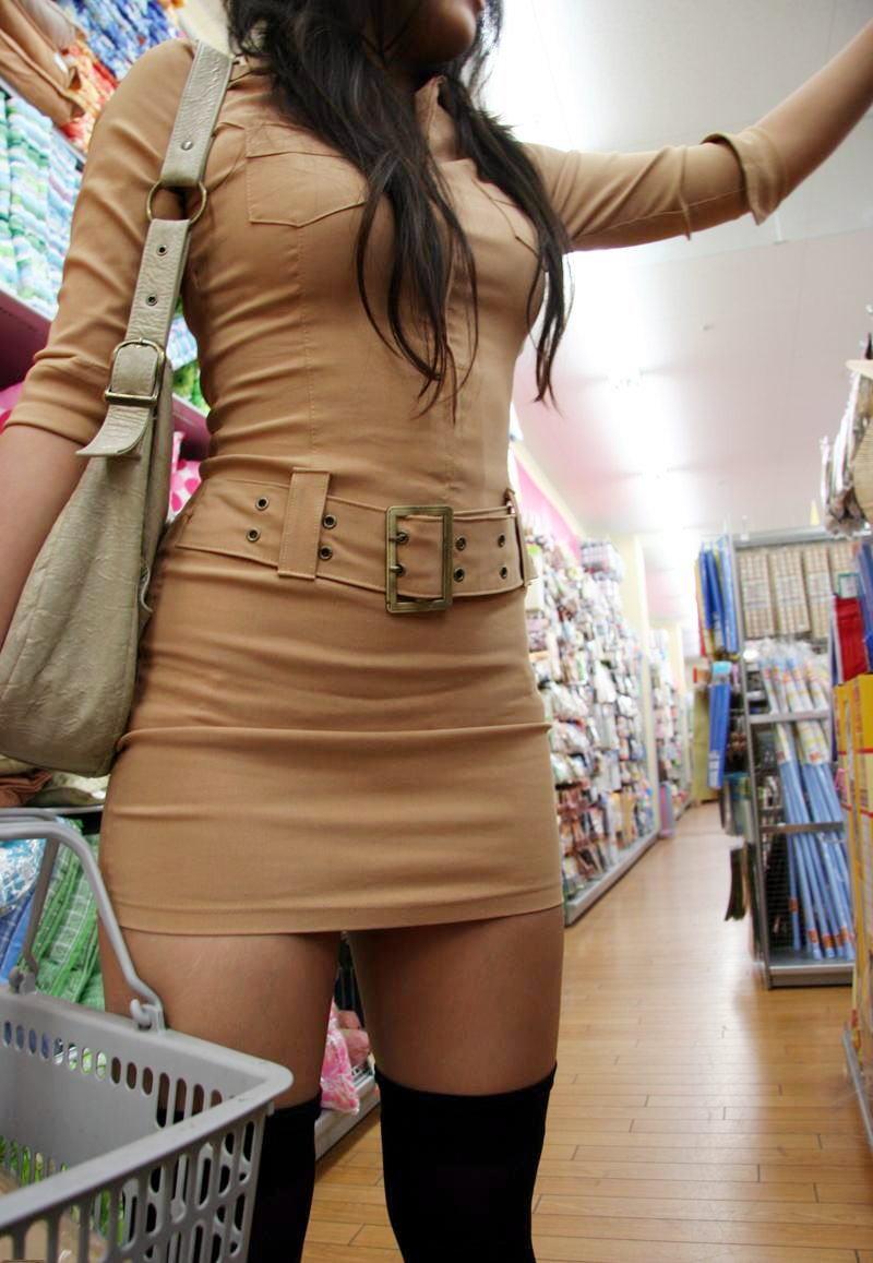 【巨乳エロ画像】冬場のニット女子は強烈!寒暖関係なしの街撮り着衣おっぱいwww 08