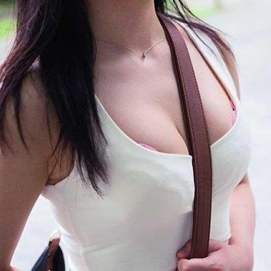 【パイスラエロ画像】もれなく目立つたすき掛けw大きくなくてもたちまち着衣巨乳にwww 02