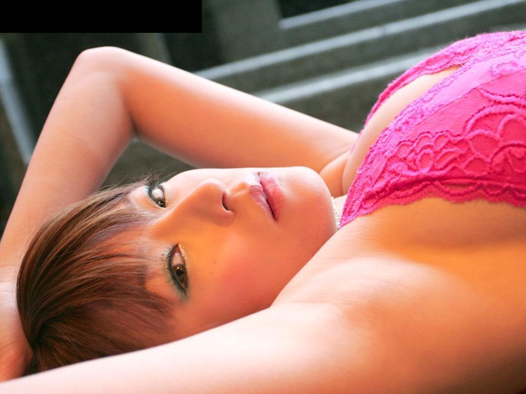 【腋フェチエロ画像】乳首より舐めたい時もあるw味わい深い美女の腋下www 10