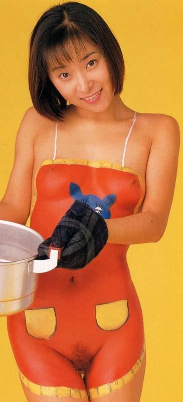 【女体エロ画像】ちゃんと着てるみたいでしょw乳首の形クッキリなボディペイント姿www 11