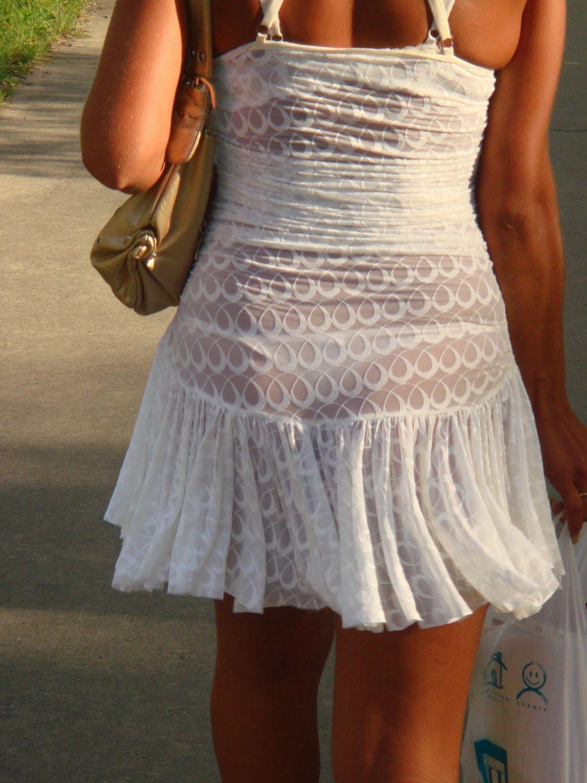 【透け下着エロ画像】見えなさそうで透けているwパンチラの手間いらずな透け下着素人www 21