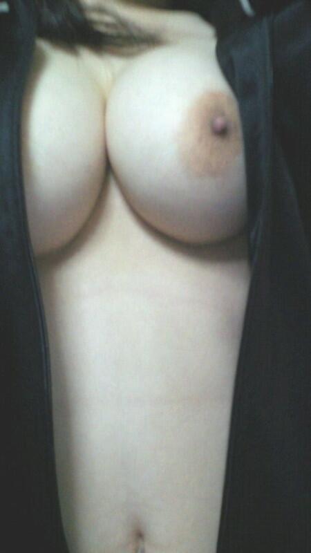 【自撮りエロ画像】素人だって極上おっぱい持っているw未知なる美乳を晒してくれたネットの女神様www 11