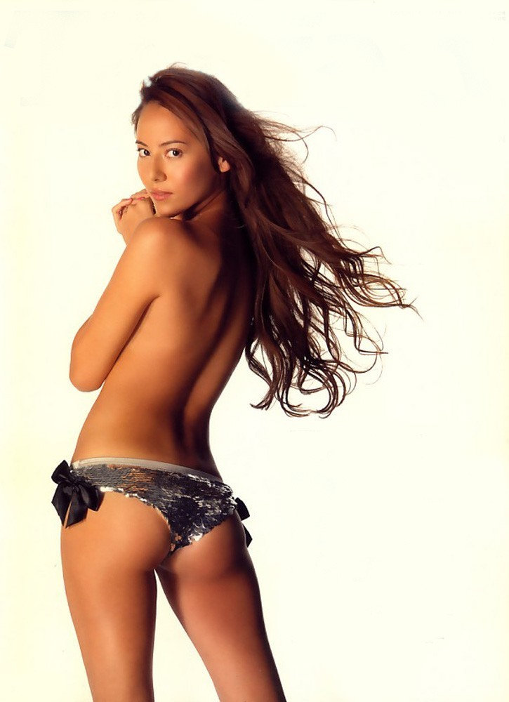 【背中フェチエロ画像】窪んだ中心舐めてみる?そそる裸の美女の後ろ姿www 16