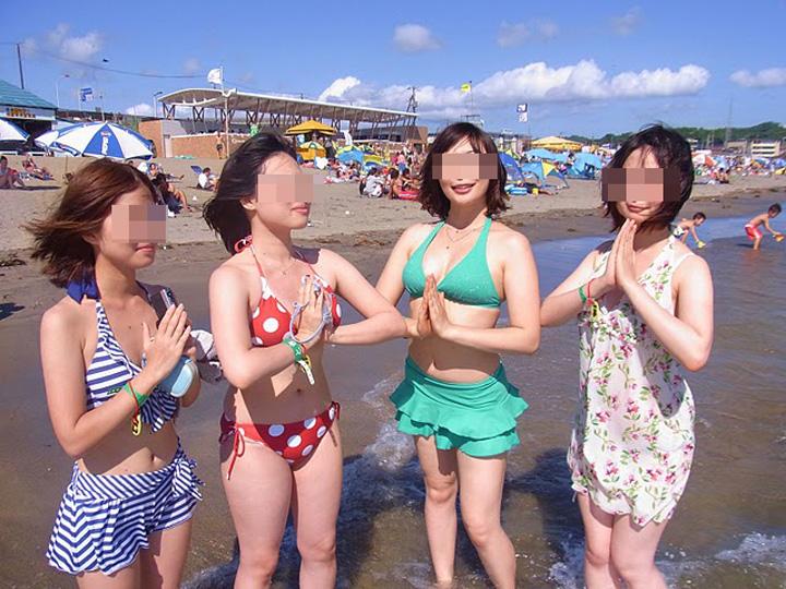 【水着エロ画像】寒い日だから夏が恋しいw灼熱下でも眼福なビキニギャルの乳www 15