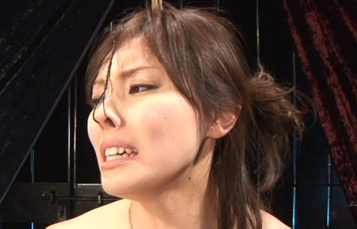 【SMエロ画像】ここまでされても可愛さ残る人もいるw屈辱の鼻フック責めwww 001