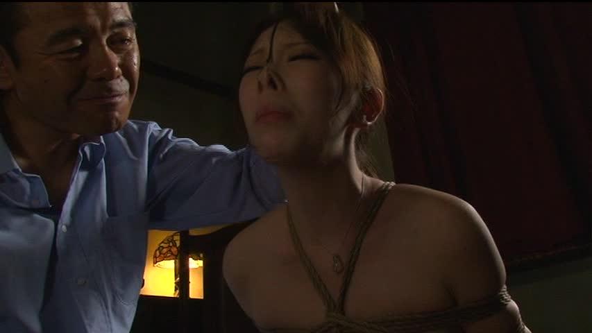 【SMエロ画像】ここまでされても可愛さ残る人もいるw屈辱の鼻フック責めwww 01