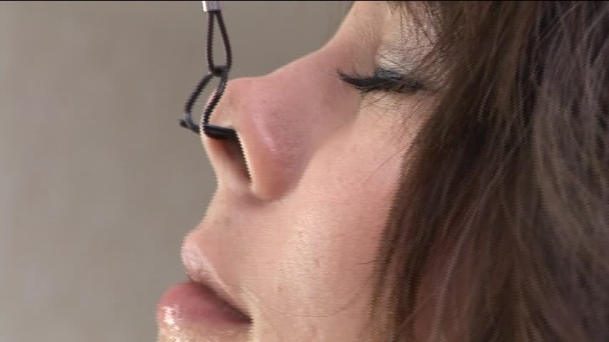 【SMエロ画像】ここまでされても可愛さ残る人もいるw屈辱の鼻フック責めwww 25