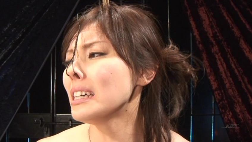 【SMエロ画像】ここまでされても可愛さ残る人もいるw屈辱の鼻フック責めwww 30