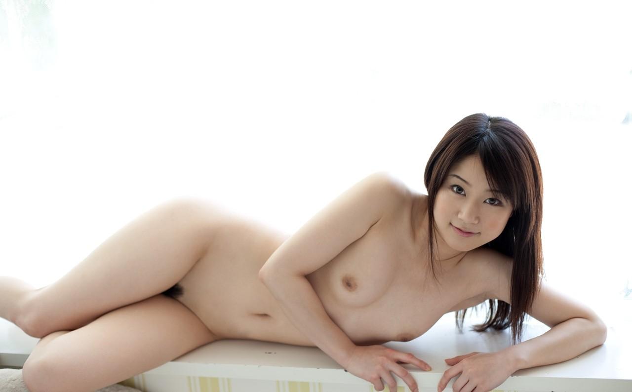 【裸体エロ画像】電気は消しません。明るい中でヤるしかない全裸の美女www 05