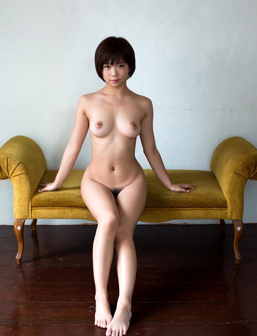 【裸体エロ画像】電気は消しません。明るい中でヤるしかない全裸の美女www 19