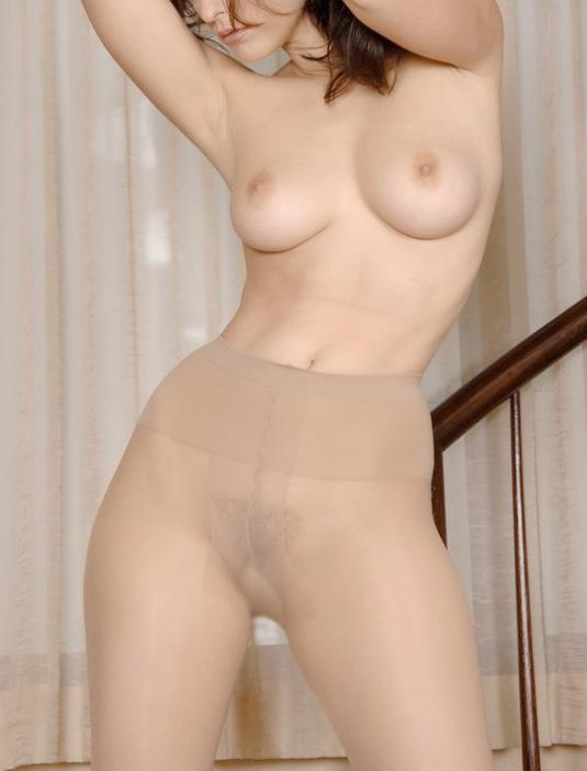 【腋フェチエロ画像】乳揉みながら舐め尽くしたいw美女の綺麗な腋の下www 04