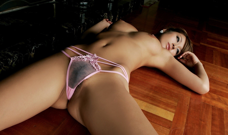 【腋フェチエロ画像】乳揉みながら舐め尽くしたいw美女の綺麗な腋の下www 09