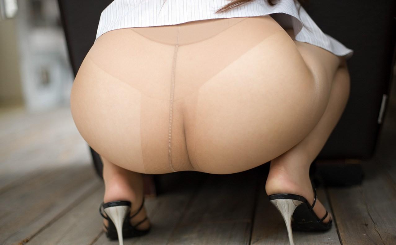 【パンストエロ画像】薄布ながらも雌の香が詰まってるwパンスト履いたむっチリ美尻www 03