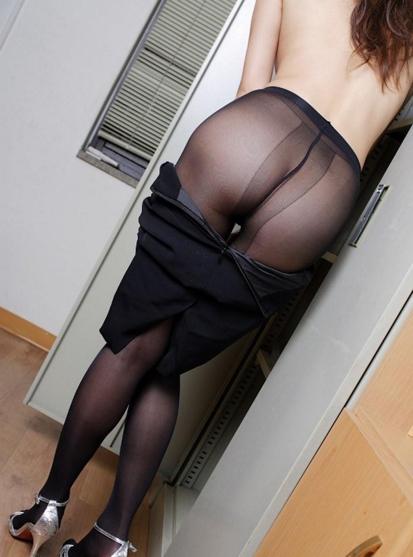 【パンストエロ画像】薄布ながらも雌の香が詰まってるwパンスト履いたむっチリ美尻www 23