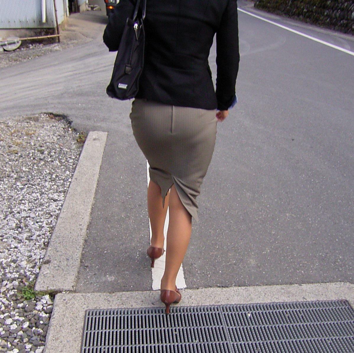 【着尻エロ画像】生で見なくとも十分!形も大きさも明確な街のお尻www 11