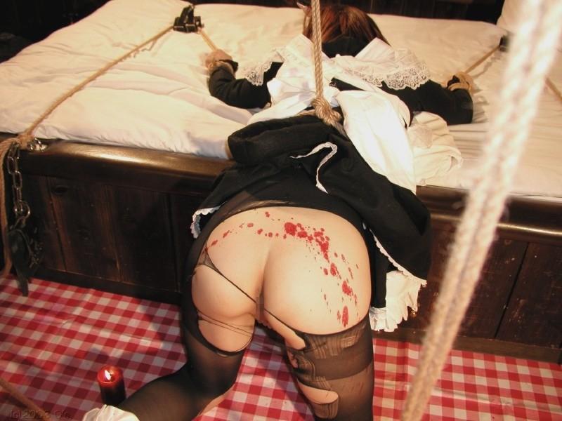 【SMエロ画像】熱い!でも逃げられない…緊縛M女への熱蝋責め調教www 15