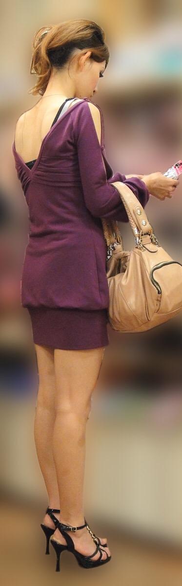 【美脚エロ画像】付け根ギリギリ再び…大人の生脚は春到来のお知らせwww 24