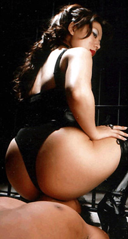 【SMエロ画像】跪きなさい…セクシー女王様によるありがたいお仕置きの数々www 14
