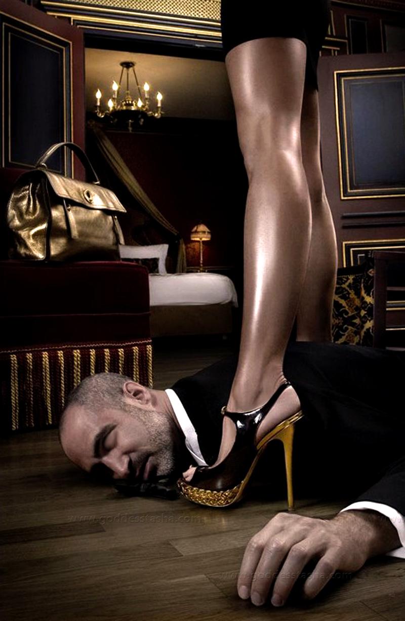 【SMエロ画像】跪きなさい…セクシー女王様によるありがたいお仕置きの数々www 24