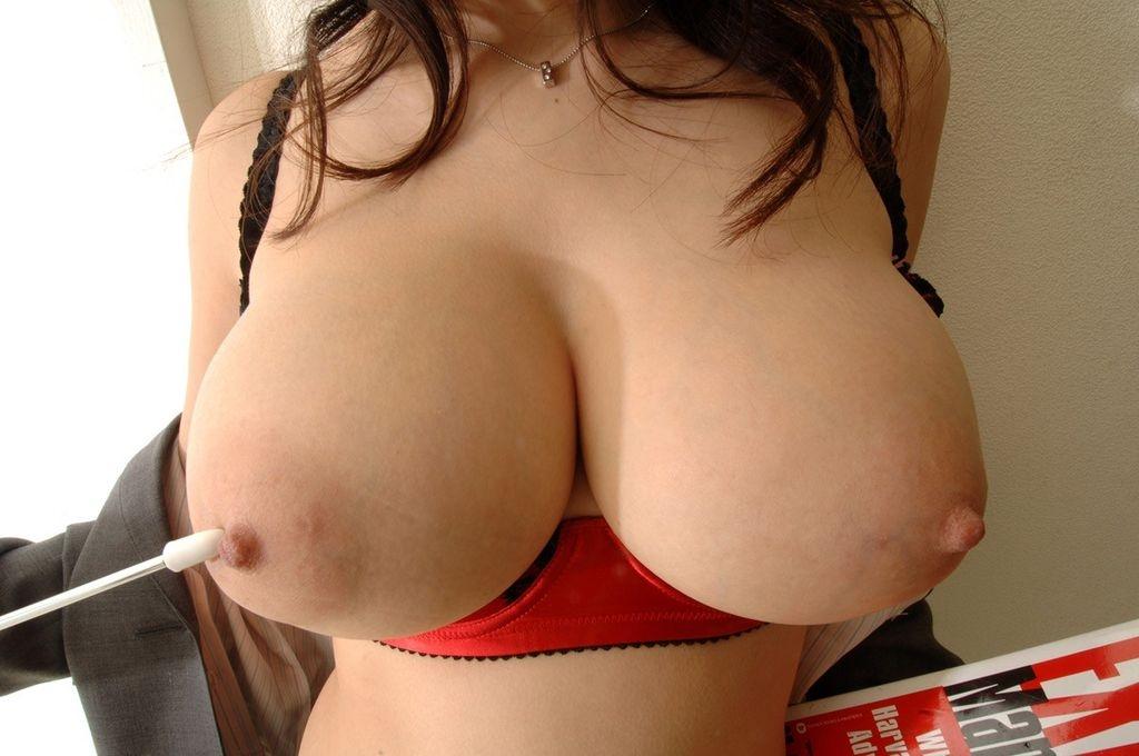 【乳輪エロ画像】要は乳房とのバランスw吸い付きたくてたまらなくなる巨乳輪www 27