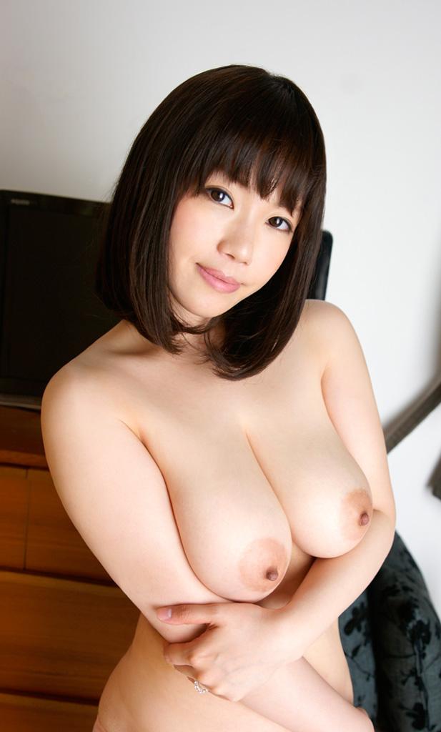 【乳輪エロ画像】要は乳房とのバランスw吸い付きたくてたまらなくなる巨乳輪www 30