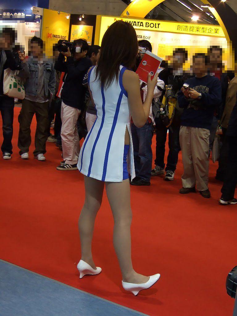 【キャンギャルエロ画像】美脚であるのが最低条件w脚線美で攻めるキャンギャルの皆さんwww 04