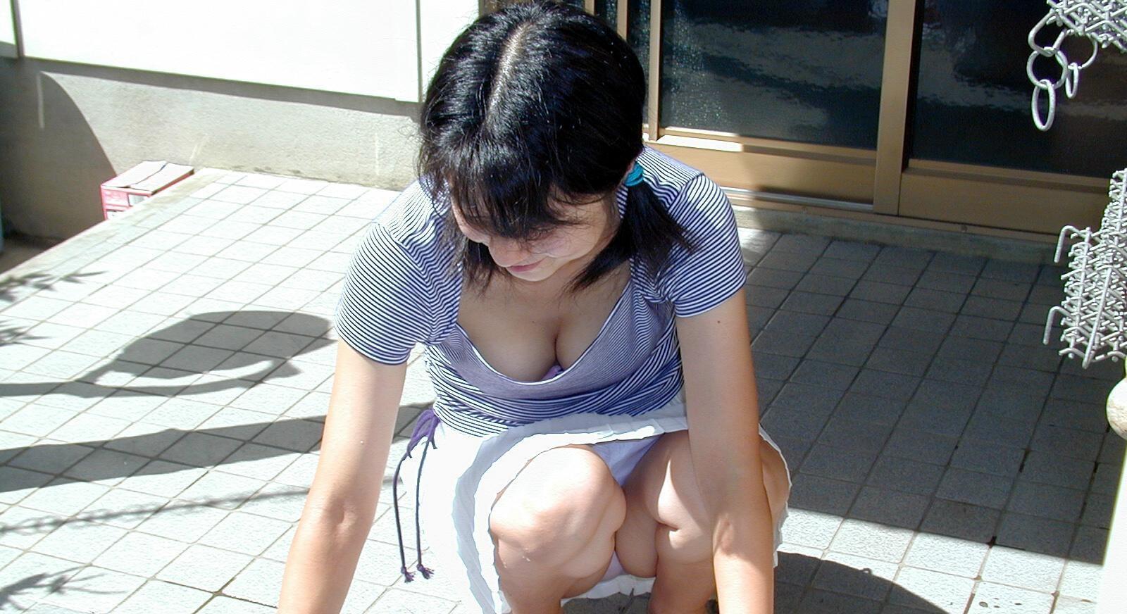 【谷間エロ画像】巨乳好きなら一撃KO!いっそ埋めて欲しい豊乳の谷間www 26