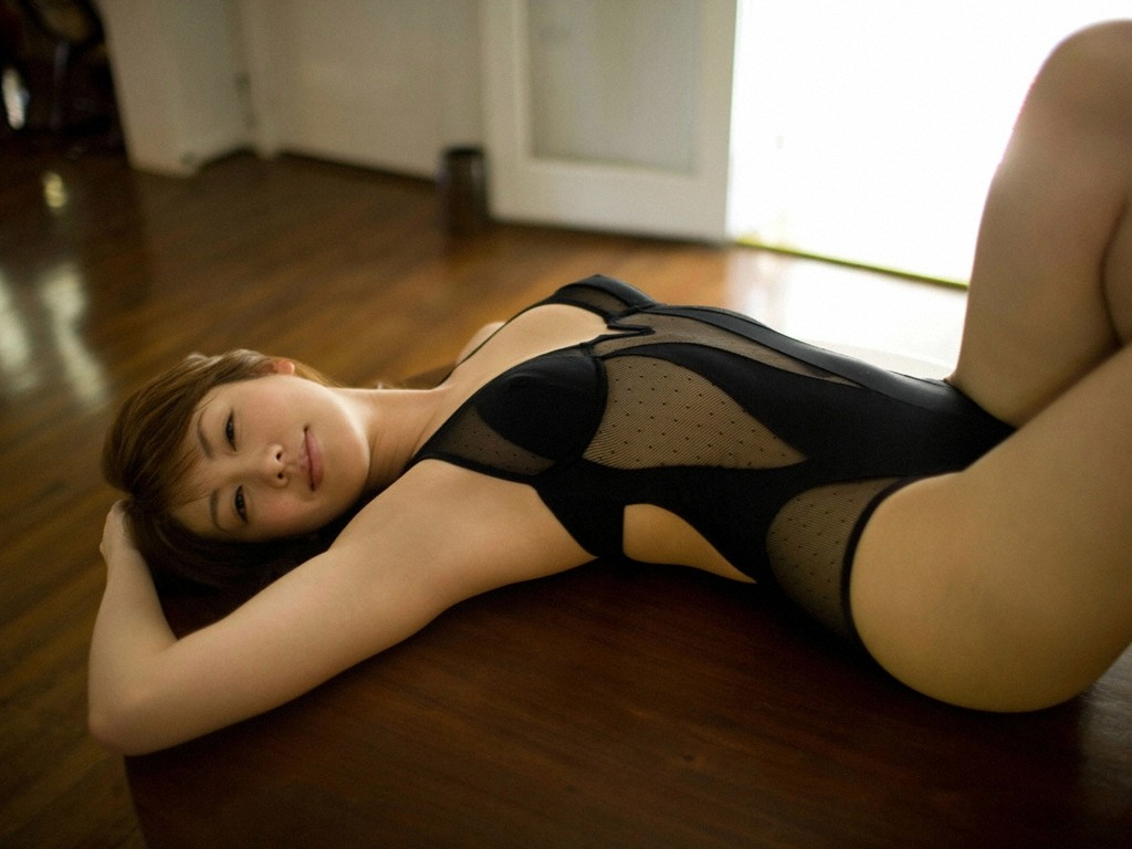 【腋フェチエロ画像】生乳はいいから…百歩譲っても舐めたい美女の腋www 06