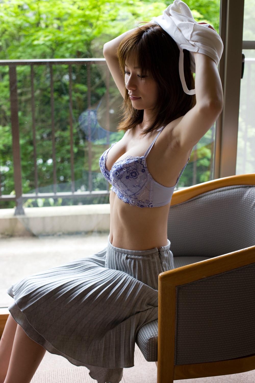 【腋フェチエロ画像】生乳はいいから…百歩譲っても舐めたい美女の腋www 10
