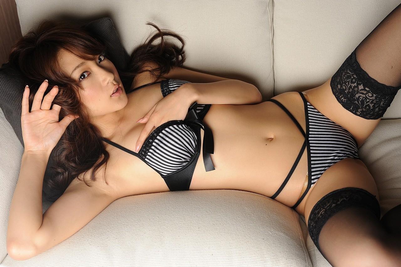 【腋フェチエロ画像】生乳はいいから…百歩譲っても舐めたい美女の腋www 21