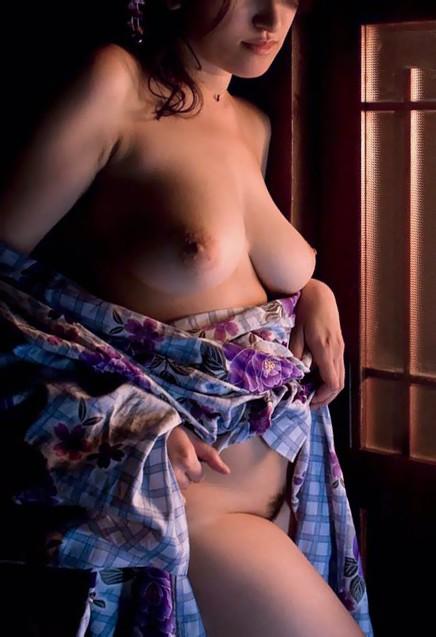 【和服エロ画像】奥ゆかしいイヤらしさが…日本人だから和服乱して裸体晒しwww 11
