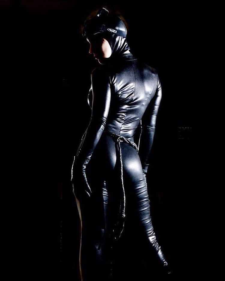 【コスプレエロ画像】強い女の象徴…でもAVじゃ負け犬オチなキャットスーツ美女www 19