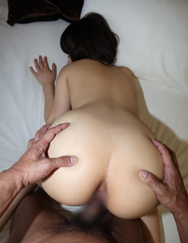【性交エロ画像】尻質ハイだから叩きたいw極上美尻とバックで真っ最中www 12